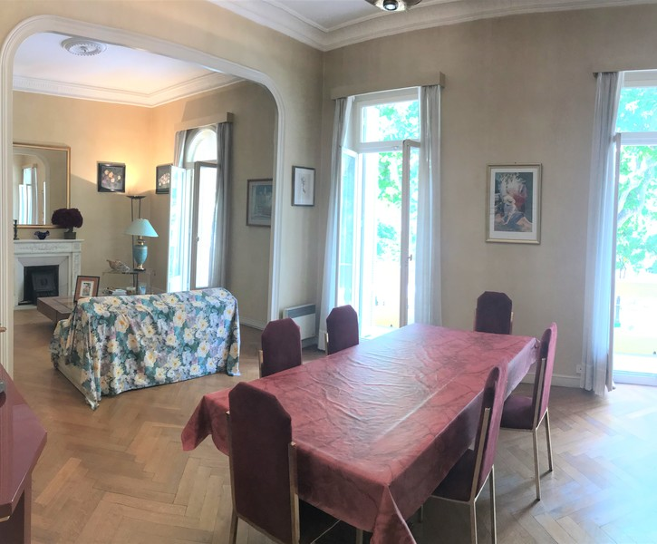 6 ROOMS APARTMENT IN THE CENTRE OF MENTON
