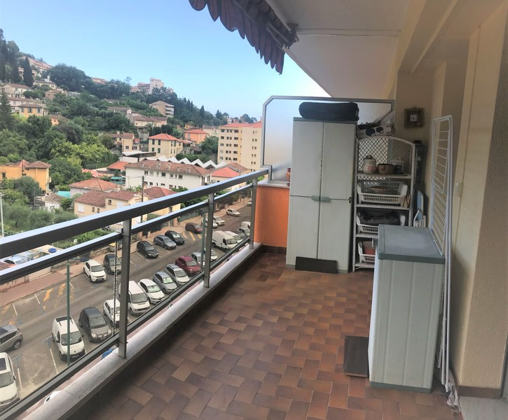 TWO ROOMS APARTMENT IN HIGH FLOOR TERRACE