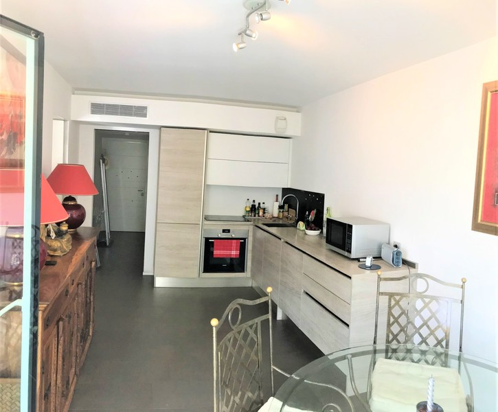 THREE ROOMS APARTMENT IN THE BORDER WITH MONACO