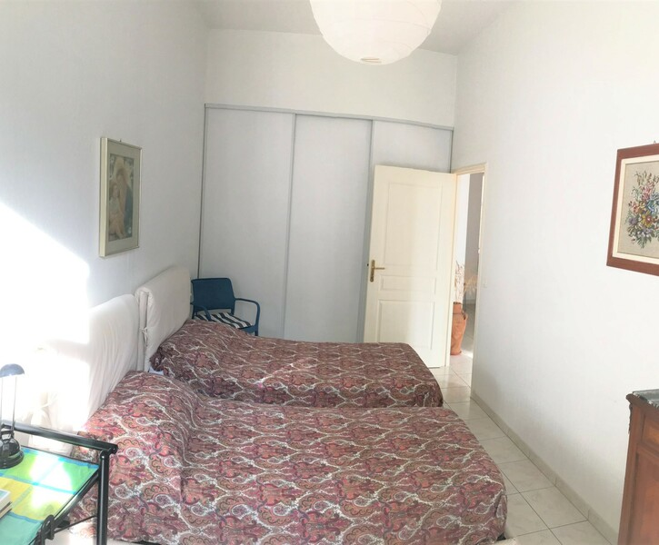 TWO ROOMS APARTMENT OF 57 SQUARE METRE IN THE CENTRE OF MENTON WITH PARKING AND CAVE